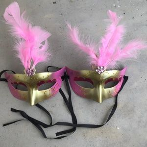Accessories - Halloween Party Mask Light Up Pink Feather Disco